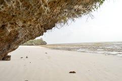 Малая бухта на пляже Bamburi Стоковое Изображение RF