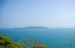 Малая гора в море Стоковое Изображение RF
