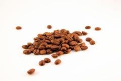 Зерна кофе на белой предпосылке Стоковая Фотография RF