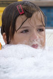 Малая девушка в джакузи Стоковые Фотографии RF