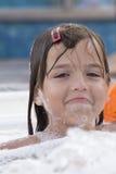 Малая девушка в джакузи Стоковое Изображение
