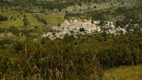 Малая деревня в Pre Alpes в южной Франции акции видеоматериалы