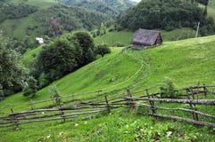 Малая ложа, лачуга в горах стоковое фото