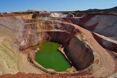Малая покинутая шахта открытого карьера Стоковые Фото
