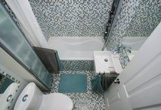 Малая современная ванная комната Стоковые Фотографии RF
