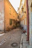 Малая старая угловая улица Стоковая Фотография RF