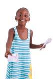Маленькая африканская девушка держа 500 100 счеты евро - черное peopl Стоковое Фото