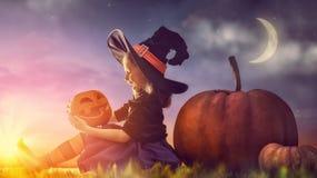 Маленькая ведьма outdoors Стоковое Изображение RF