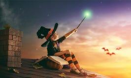 Маленькая ведьма outdoors Стоковая Фотография