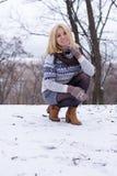 Маленькая девочка в зиме стоковое фото rf