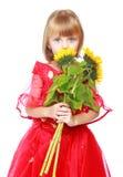 Маленькая девочка в красной мантии шарика Стоковое Изображение RF