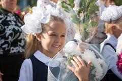 Маленькая девочка в первом дне школы Стоковые Фото