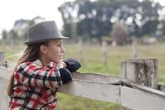 Маленькая девочка в природе Стоковое фото RF