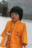 Маленькая девочка в токио стоковые фото