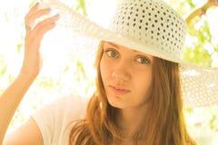 Маленькая девочка в шлеме Стоковое Изображение