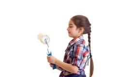 Маленькая девочка держа белый крен Стоковые Изображения RF