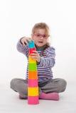Маленькая девочка игра Стоковые Фотографии RF