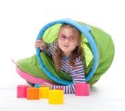 Маленькая девочка игра Стоковая Фотография RF