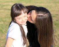 Маленькая девочка имеет потеху Стоковые Фотографии RF
