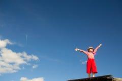 Маленькая девочка и небо Стоковое Изображение