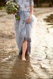 Маленькая девочка на пляже Стоковые Фото