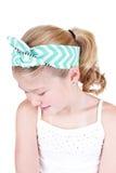 Маленькая девочка нося винтажный держатель Стоковое Фото