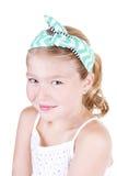 Маленькая девочка нося винтажный держатель стоковая фотография
