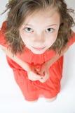 Маленькая девочка смотря к дну Стоковые Фотографии RF