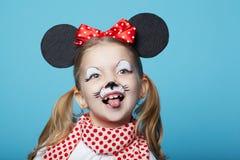 Маленькая девочка с маской мыши Стоковое фото RF