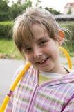 Маленькая девочка с обручем hula Стоковые Изображения RF