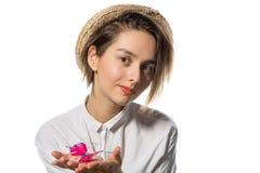Маленькая девочка с розовой бабочкой 2 стоковые фотографии rf