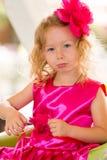 Маленькая прелестная девушка празднуя 3 года дня рождения Стоковая Фотография