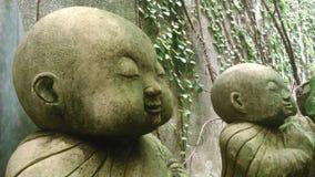 Маленькая скульптура монах Стоковые Изображения