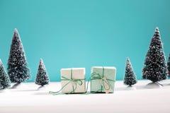 Маленькие зеленые handmade подарочные коробки Стоковая Фотография