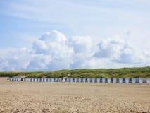 Маленькие дома на пляже на острове Texel Стоковое Изображение RF
