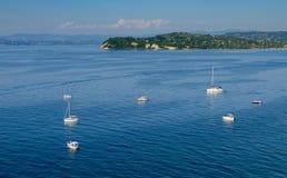 Маленькие лодки на море Стоковые Фото