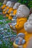 Маленькие статуи монаха. Стоковое фото RF