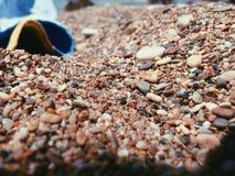 Маленькие утесы на пляже Стоковая Фотография RF