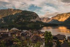 Маленький город в Альпах, Hallstatt Стоковые Фотографии RF