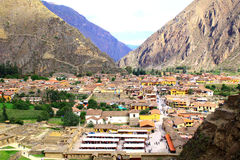 Маленький город Ollantaytambo, Перу в священной долине Стоковые Фотографии RF