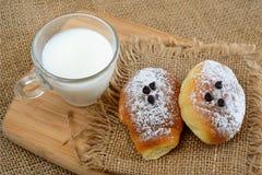 Маленький завтрак бриошей стоковое изображение rf