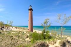 Маленький маяк пункта соболя в дюнах, построенных в 1867 Стоковые Изображения RF