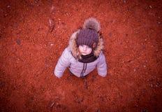 Маленький младенец с красивыми унылыми глазами Стоковое Изображение RF