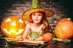 Маленький ребенок хеллоуин Стоковая Фотография RF