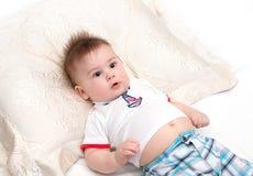 Маленький удивленный младенец Стоковые Изображения RF