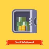 Малое безопасное вид спереди Раскрытый с деньгами внутрь Стоковое Фото