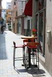 Малое милое кафе внутри к центру города Стоковое Фото