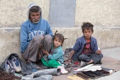 Малоимущая семья в Leh, Индии Стоковое фото RF
