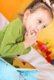 Малые девушки с таблеткой Стоковое Изображение RF