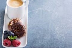 Малые мини donuts и кофе Стоковая Фотография RF